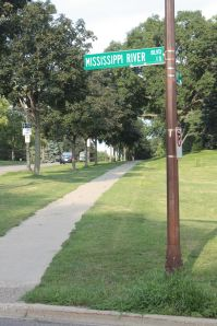 Addresses on Mississippi River Boulevard switch from north to south at Summit Avenue.