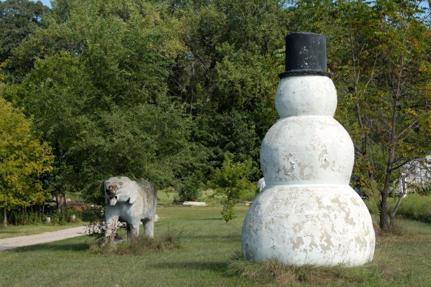 Why does this large snowman and the undetermined animal sit in the yard at 1340 Point Douglas Road? Your guess is as good as mine.)