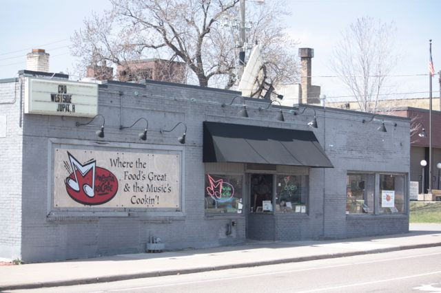 The Minnesota Music Café, 499 Payne, plays host to live music most nights. The MMC has garnered very good reviews for the variety and quality of local and national acts that perform there.