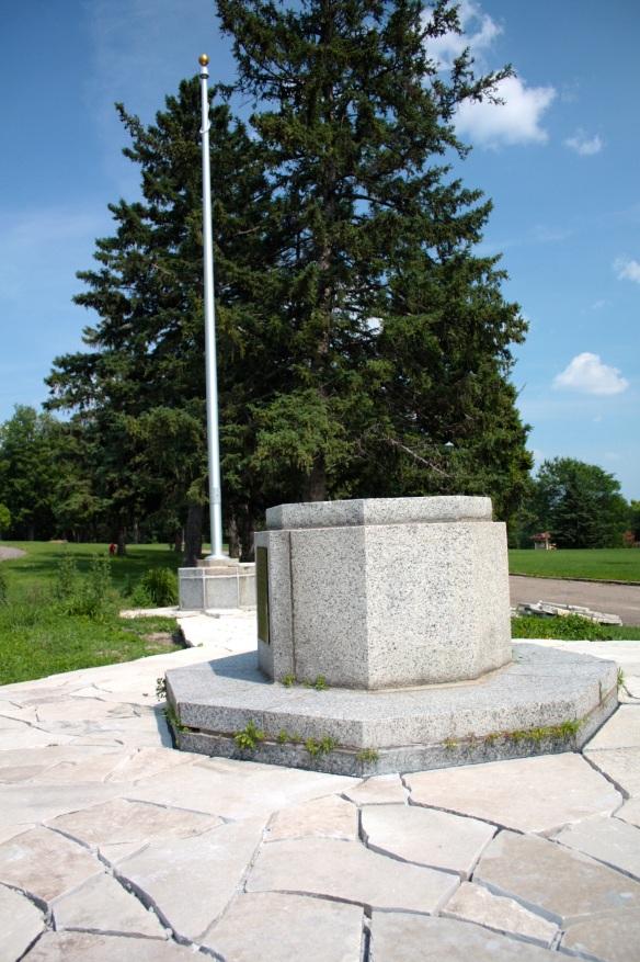 edgcumbe memorial 1