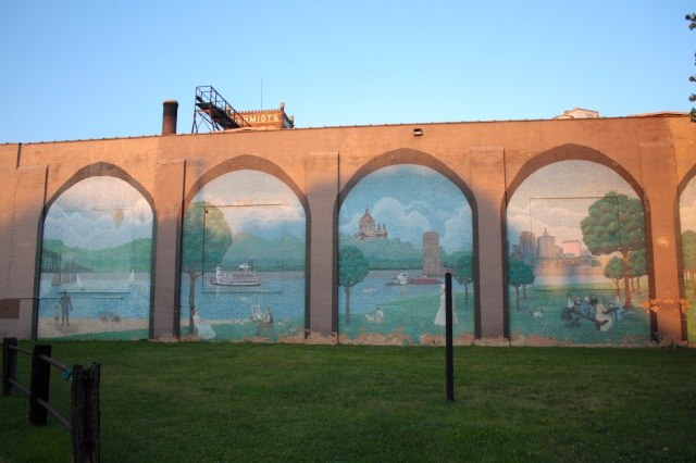 Murals on the western wall of this former brewery building depict Mississippi River history.