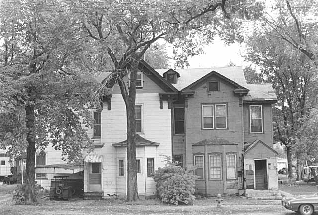 Two Irvine Park homes are in a state of disrepare in this 1972 picture. Note the two homes have been joined.