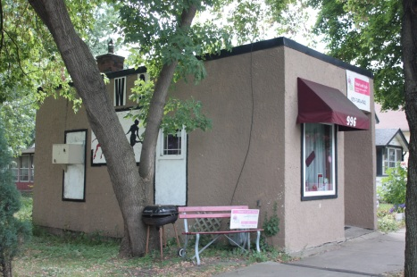 This tiny rectangular building is a hair salon. 996 Front Avenue.