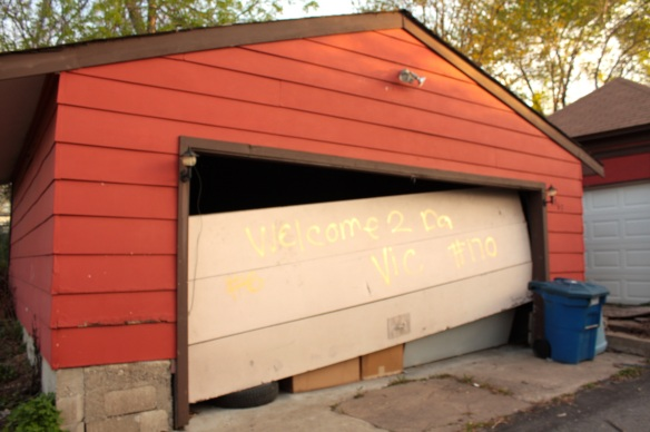 I'm not sure what to make of the garage door at 863 Marshall Avenue at Victoria.