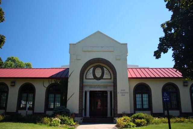 Randolph Heights Elementary School on Hamline Avenue in Macalester-Groveland.