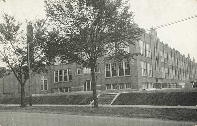 Significantly smaller (and a high school) in 1930, Murray's main entrance is  in the middle of the picture, just to the left of the cement steps. Courtesy Minnesota Historical Society.