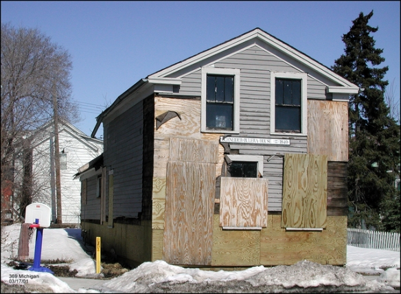 This is how the Schenieder-Bulera House looked in 2001. Courtesy Dick ??? and MnHS)