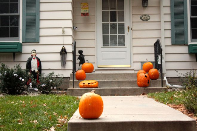 Count Dracula, jack o' lanterns, pumpkins and ghouls; this house has something for everyone on Halloween.