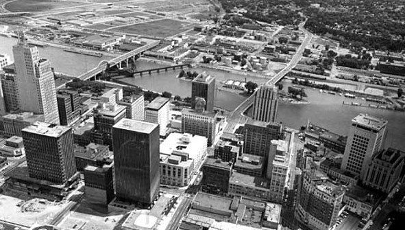 You can see the industry, which replaced homes on the West Side Flats in this 1965 picture. Courtesy Minnesota Historical Society.