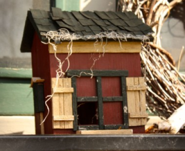 It's a barn bird house.