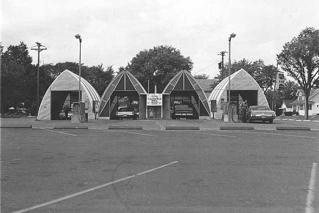 In 1976, the car wash was called Mr. B's Royal Car Wash. It has been enlarged since this photo was taken. Courtesy of the Minnesota Historical Society.