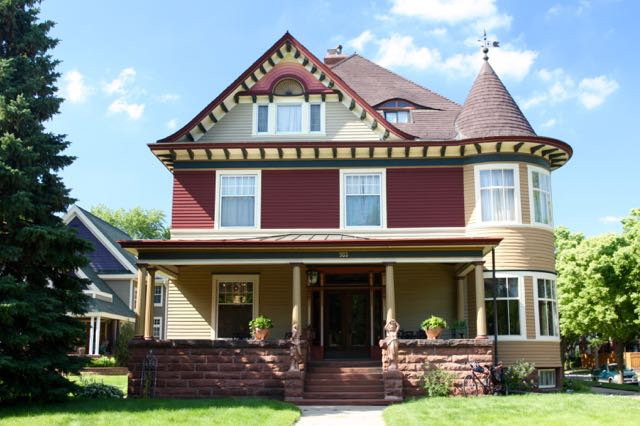 "The James A. Wilson/Joseph Eisinger house at 985 Summit Avenue. The house was constructed in either 1892 or 1895 for $16,000, according to ""St. Paul's Historic Summit Avenue"" by Ernest R. Sandeen."