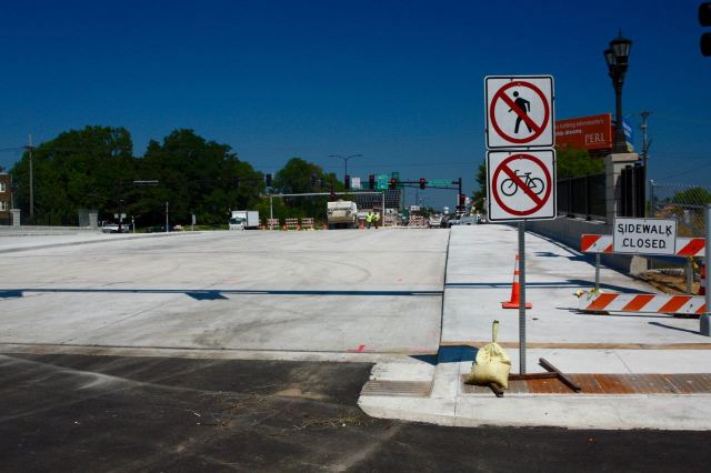 The Snelling Avenue Bridge over I-94 wasn't officially open yet, but I no one questioned me when I rode across.