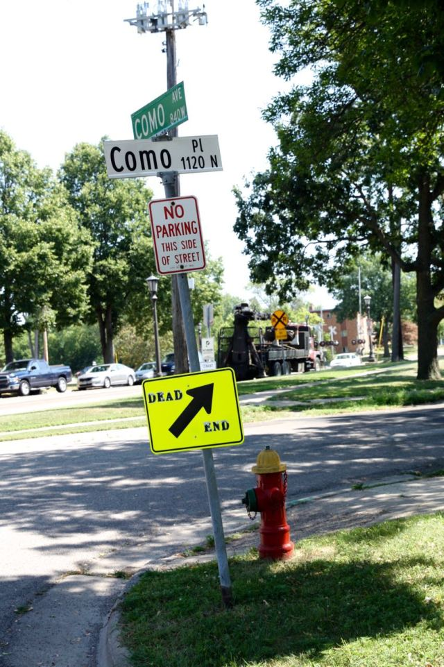 Como Place, which intersects only with Como Avenue (Union Avenue at one time), is a block east of Victoria. Oddly enough, the street in the background is also Como Avenue.