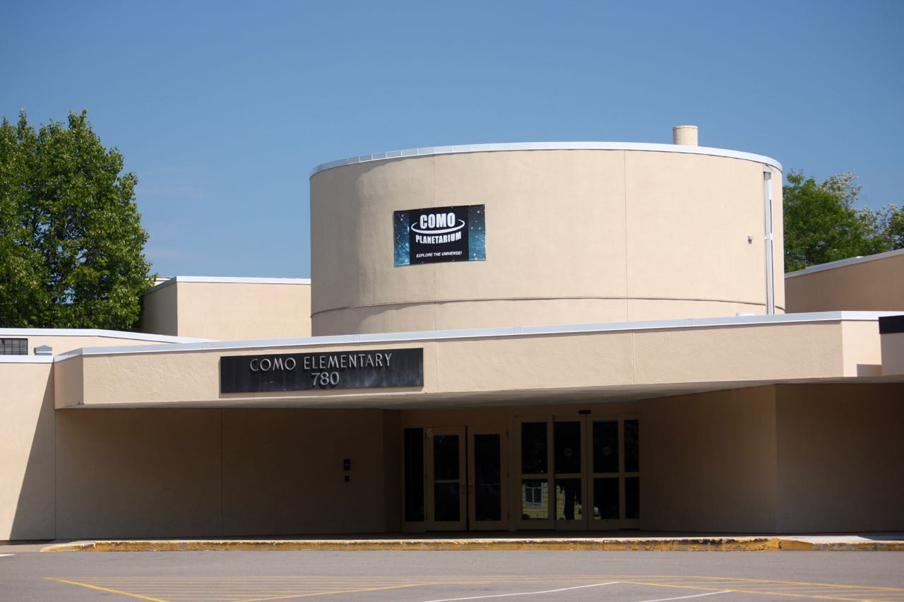 The Como Planetarium primarily hosts school groups but is open to the public on occasion.