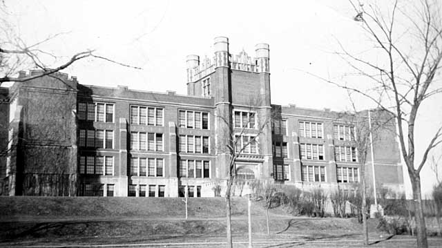 The Lexington Avenue side of Central High School included the main entrance, at the base of the castle-like structure. Courtesy Minnesota Historical Society