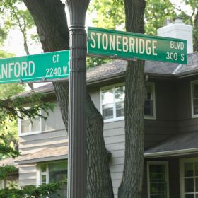 Stonebridge Boulevard runs north and south between St. Clair Avenue and Jefferson Avenue, which were also the north-south boundaries of Stonebridge estate.