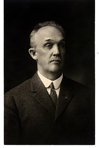 A 1910 photo of Oliver Crosby, co-founder of Amhoist, one-time manufacturing giant in Saint Paul. Photo courtesy MNHS.