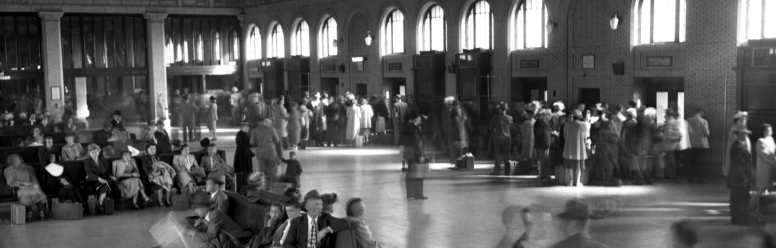 Union Depot bustled with travelers during the 1930s and '40s. More than 200 trains served Saint Paul in those days.