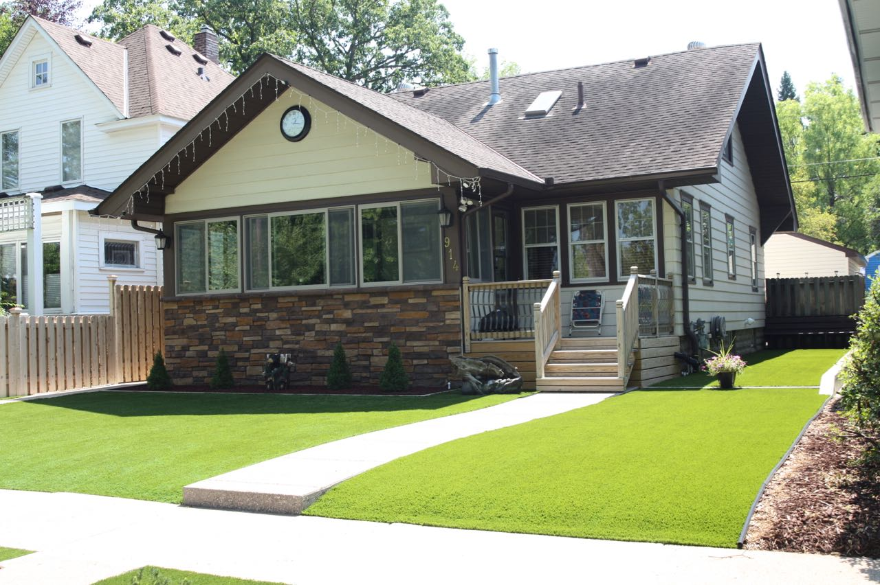 Gene Thompson's dazzlingly green yard.
