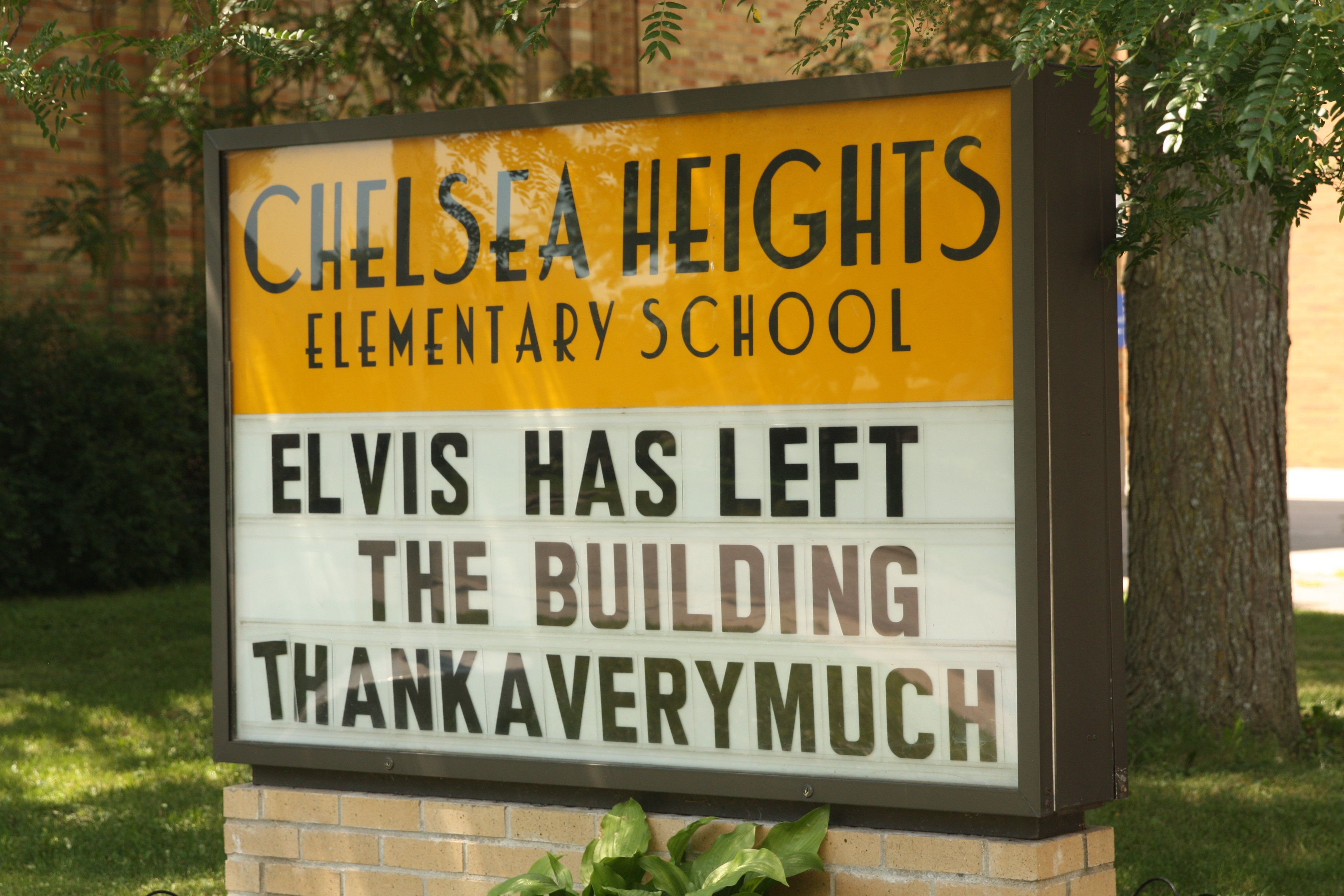 Some creative soul at Chelsea Heights noted the summer break in a fun way.
