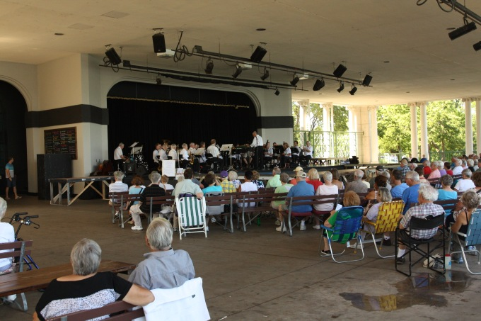 A good crowd turned to enjoy this band concert.