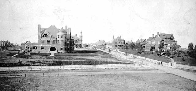 The John L. Merriam home (left) at 51 University Avenue and nearby Sherburne Hill mansions circa 1888. Courtesy Minnesota Historical Society