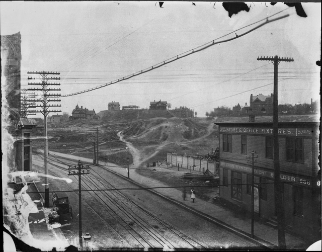 Wabasha Street, looking north toward John Merriam House (above the building) and State Capitol site circa 1896. Courtesy Minnesota Historical Society