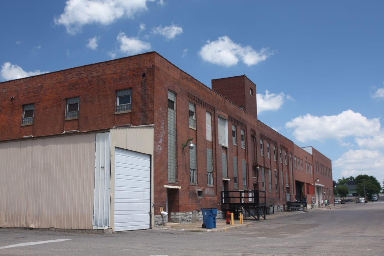 The former Hamm's/Stroh Brewery bottling house, now part of the Everest Art and Science Center.