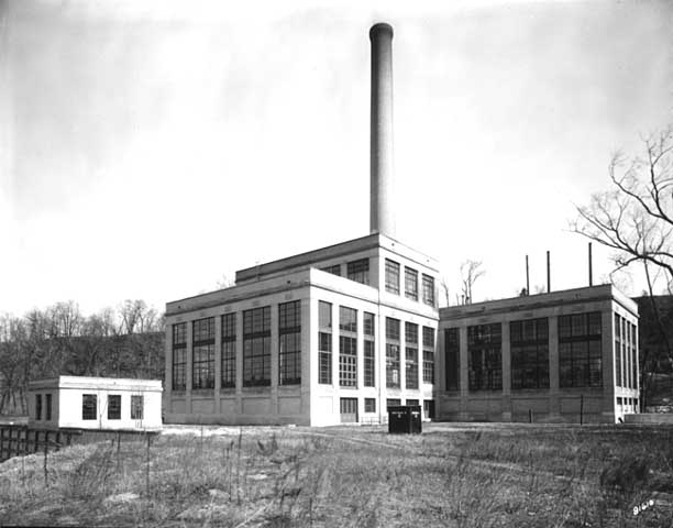 The steam plant in 1930, looking from the west. Courtesy Minnesota Historical Society