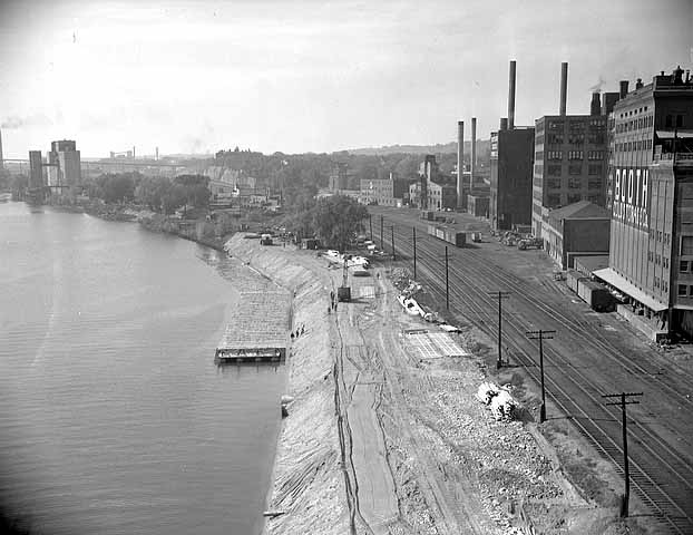 Shepard Road construction near Downtow in 1949. Courtesy of Minnesota Historical Society