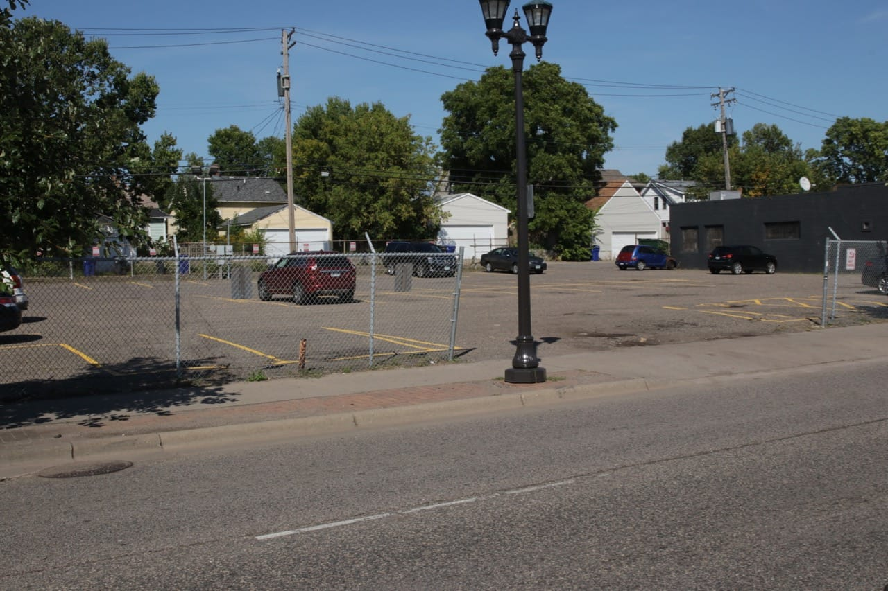 Just a handful of cars dot the parking lot between W.E. Mowrey and Black Hart of Saint Paul bar in the 1400 block of University.